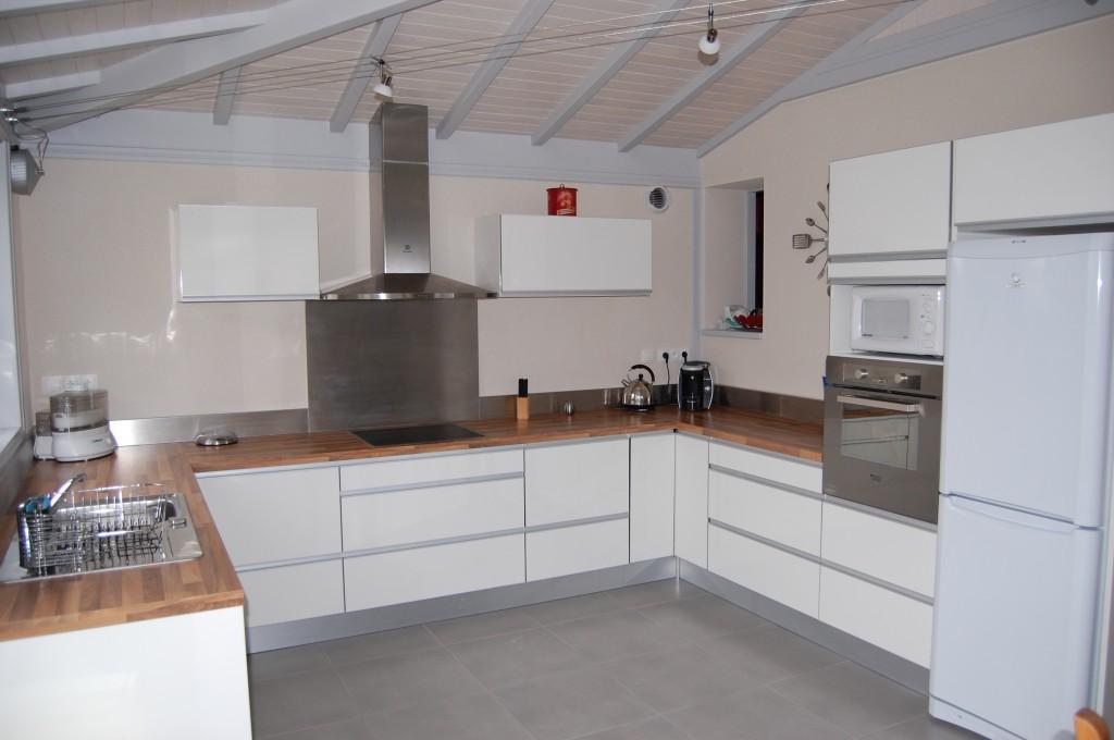 cuisine en u avec ilot central. Black Bedroom Furniture Sets. Home Design Ideas